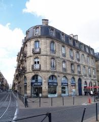 Immeuble - Français:   Vue de côté