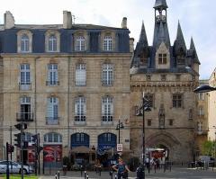 Immeuble - Français:   Immeuble, 23 quai Richelieu Rue de la Porte-du-Caillou (Inscrit, 1951)