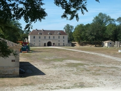 Fort Médoc - This building is indexed in the Base Mérimée, a database of architectural heritage maintained by the French Ministry of Culture,under the reference PA00083534 .