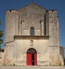 Eglise Saint-André - English: Eglise; Cubizac-les-Ponts, Gironde, Aquitaine, France;; ref: PM_094220_F_Cubzac_les_Ponts;; Photographer: Paul M.R. Maeyaert; www.pmrmaeyaert.eu; © Paul M.R. Maeyaert; pmrmaeyaert@gmail.com; Cultural heritage; Europeana; Europe/France/Cubizac-les-Ponts;