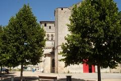 Eglise Saint-André - English: Eglise; Cubizac-les-Ponts, Gironde, Aquitaine, France;; ref: PM_094221_F_Cubzac_les_Ponts;; Photographer: Paul M.R. Maeyaert; www.pmrmaeyaert.eu; © Paul M.R. Maeyaert; pmrmaeyaert@gmail.com; Cultural heritage; Europeana; Europe/France/Cubizac-les-Ponts;