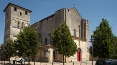 Eglise Saint-André - English: Eglise; Cubizac-les-Ponts, Gironde, Aquitaine, France;; ref: PM_094222_F_Cubzac_les_Ponts;; Photographer: Paul M.R. Maeyaert; www.pmrmaeyaert.eu; © Paul M.R. Maeyaert; pmrmaeyaert@gmail.com; Cultural heritage; Europeana; Europe/France/Cubizac-les-Ponts;