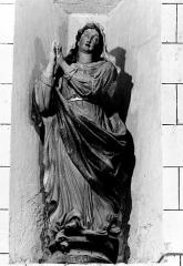 Eglise Notre-Dame - Deutsch: Skulptur der Maria in der Kirche Notre-Dame von Saint-Aubin-de-Branne