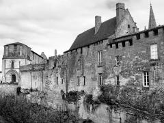 Remparts -  Saint-Emilion.