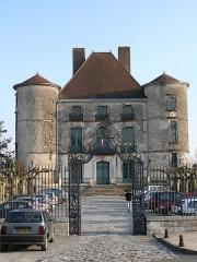 Château de Montréal ou château d'Orthe - English: Montréal castle in Peyrehorade (Landes, Aquitaine, France).