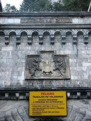 Tunnel de Pau-Canfranc - Español:   Túnel ferroviario clausurado