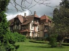 Domaine de la Léonardsau, actuellement musée du Cheval et de l'Attelage - Deutsch: Altes Herrenhaus mit Park
