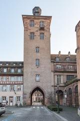 Ancienne commanderie Saint-Jean -  Strasbourg, 9 Place d' l'Hôpital