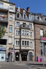Maison - Français:   Maison, 2 place Broglie, Strasbourg.