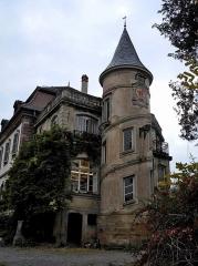 Ancien domaine de Windeck, dit Foyer de Charité - Deutsch: Das Foyer de Charité in Ottrott, Ansicht von Osten
