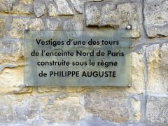 Enceinte de Philippe-Auguste - English: Louvre street - Paris