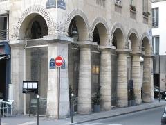 Immeubles - English: rue des colonnes. Paris 2nd arr.