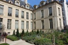 Hôtel Jeanne d'Albret -  Jardin des Rosiers - Joseph Migneret @ Le Marais @ Paris
