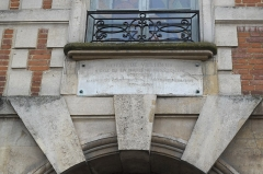 Hôtel de Ribault ou de Langres  (voir aussi : Synagogue, 21 rue des Tournelles) - Deutsch: Hôtel de Ribault (Hôtel de Villedeuil), 14 Place des Vosges, im 4. Arrondissement in Paris (Île-de-France/Frankreich), Rathaus des ehemaligen 8. Arrondissements