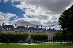 Place des Vosges -  Square Louis XIII place des Vosges, Quartier Arsenal, Paris, France