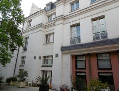 Hôtel Chéret ou Akermann - Français:   Hôtel Chéret 2è cour