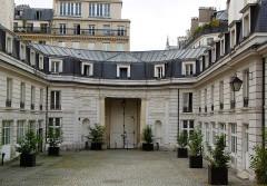 Hôtel Chéret ou Akermann - Français:   Hôtel Chéret cour vers rue