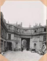 Hôtel Chéret ou Akermann - Français:   Hôtel Chéret Cour
