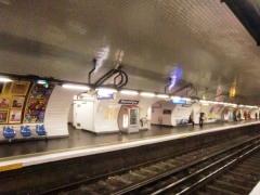 Métropolitain, station République - Français:   Station de la ligne3