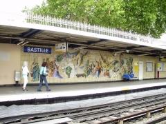 Métropolitain, station Bastille - Français:   Fresque sur le quai de la station Bastille (ligne 1) du métro de Paris, France