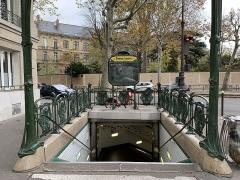 Métropolitain, station Chardon-Lagache - Français:   Entrée de la station de métro Chardon-Lagache, Paris.