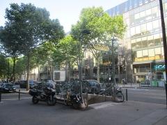 Métropolitain, station Kléber - Français:   Sortie de métro avenue Kléber, Paris XVIe.