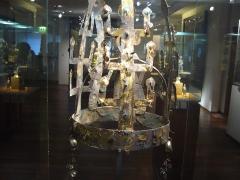 Musée Guimet - Magyar:   Aranyozott bronzkorona, Három királyság kora, V-VI. sz., Musée Guimet, Párizs