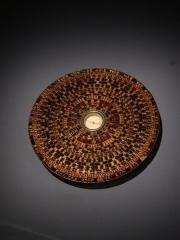 Musée Guimet - Français:   Boussole géomantique à l\'exposition Le Monde vu d\'Asie au Musée Guimet