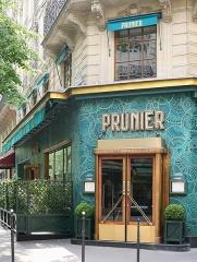 Restaurant Prunier - English: Famous french caviar restaurant PRUNIER Paris style