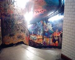 Métropolitain, station Abbesses -  Escalier d'entrée de la station des Abbesses du Métropolitain de Paris.