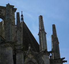 Eglise Saint-Mathurin - English:  Pinnacles on the chevet of St. Mathurin's church in Larchant, Seine-et-Marne, Île-de-France, France.