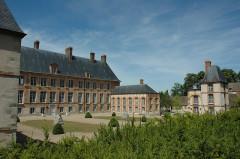 Château - Français:   Château des Mesnuls