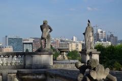 Domaine national de Saint-Cloud (également sur communes de Sèvres, Ville-d'Avray, Marnes-la-Coquette) - Dans le Parc de Saint Cloud. Statues.