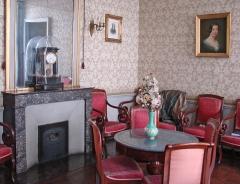 Immeuble -  Le salon de l'appartement d'Auguste Comte (philosophe, 1798- 1857), 10 rue Monsieur le Prince à Paris.