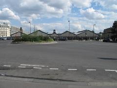 Gare Saint-Lazare - English: The Place de l'Europe and in the background the Gare Saint-Lazare (Paris).