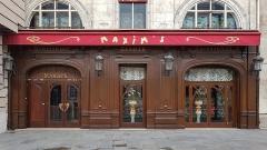 Immeuble - Deutsch: Shop windows in Paris