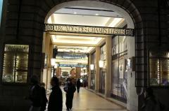 Immeuble - Polski: Arcades des Champs-Élysées