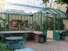 Hôtel Renan-Scheffer, actuellement musée de la vie romantique - Čeština: Musée de la Vie romantique - restaurace ve skleníku