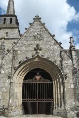 Eglise Notre-Dame du Tertre - Deutsch: Katholische Kirche Notre-Dame du Tertre in Châtelaudren im Département Côtes-d'Armor (Region Bretagne/Frankreich), Vorhalle