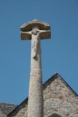 Eglise Notre-Dame du Tertre - Deutsch: Calvaire vor der katholischen Kirche Notre-Dame du Tertre in Châtelaudren im Département Côtes-d'Armor (Region Bretagne/Frankreich)