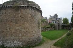 Remparts, tours et portes de la ville - Tour du Connétable de l'enceinte médiévale de Dinan (22).