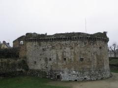 Remparts, tours et portes de la ville - Tour de l'Alloué de l'enceinte médiévale de Dinan (22).