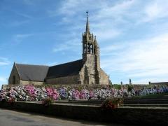 Eglise Notre-Dame - Brezhoneg: Gurunuhel. Iliz. Bleuñv Hortensia