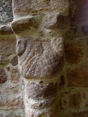 Ruines de la rotonde dite Temple de Lanleff - Français:   Chapiteau du temple de Lanleff (22).