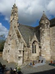 Eglise Saint-Yvi de Loguivy - Français:   Église avec enclos et deux fontaines.