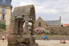 Oratoire de Saint-Guirec, à Ploumanac'h -  La côte de granite rose dans les Côtes d\'Armor en suivant le chemin suivant: https://www.strava.com/activities/2556390022?share_sig=VYO8CY0Q1563903821