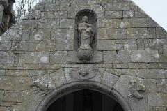 Chapelle de Perros-Hamon - Deutsch:   Kapelle von Perros-Hamon in Ploubazlanec im Département Côtes-d'Armor (Region Bretagne/Frankreich), äußeres Portal der Vorhalle