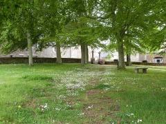Chapelle Saint-Gonéry et cimetière - Français:   L\'enclos de la chapelle Saint-Gonéry (Plougrescant)
