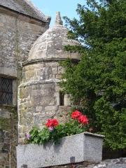 Chapelle Saint-Gonéry et cimetière -  Die Chapelle Saint-Gonéry beherbergt das Grab & die Reliquien von dem aus England kommenden Heiligen Saint-Gonery, ein Schüler von Saint-Tugdual der Mitte des 6.Jahrhunderts hier verstarb. Plougrescant - Côtes-d\'Armor - (Côte de Granit) - Bretagne