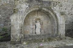 Fontaine de Notre-Dame de la Porte - Deutsch:   Brunnen, Fontaine de Notre-Dame de la Porte, in Quintin im Département Côtes-d'Armor (Region Bretagne/Frankreich)